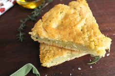Paleo breads are hard to get right, especially those of the crispy, flavorful, and well textured variety. When I was a bread eater, I loved focaccia (who does