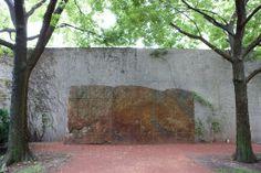 Untitled Granite, 1987 (Ulrich Rückriem) North Stanley McCormick Memorial Garden, Art Institute of Chicago, 111 S Michigan Ave. Chicago Sculpture, Depaul University, Art Institute Of Chicago, Artist, Artwork, Painting, Garden Art, Granite, Image