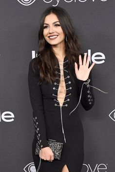 Victoria Justice x #GoldenGlobes after party - otpstreetstyles on Twitter