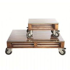A genius pallet coffee table on wheels with hardened glass top, available in 2 sizes. This pallet furniture is the ultimate in industrial chic and will suit a loft style interior.