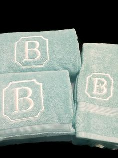 Southern machine embroidery Monogrammed Bath Towels Embroidered bath by PersonalizedByJenni Wedding Embroidery, Embroidery Monogram, Bathroom Towels, Bath Towels, Applique, Machine Embroidery Designs, Embroidery Ideas, Monogram Towels, Towel Crafts