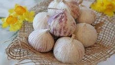 Wholistic Dermatology - Health and Beauty Solutions High Blood Pressure, Fresh Garlic, Grow Your Own, Feng Shui, Home Remedies, Health And Beauty, Nutrition, Vegetables, Cooking