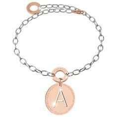 L'accessorio personalizzato...http://www.gioielleriagigante.it/prodotto/bracciale-con-iniziale-marchio-rebecca-referenza-bwwbxx61-2/