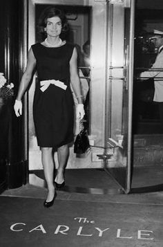 Jackie Kennedy leaving the Carlyle Hotel