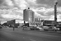 The Sahara Hotel and Casino vintage Las Vegas photo taken from the northwest corner of Sahara and Las Vegas Blvd. (the Strip). Las Vegas Blvd, Vegas Casino, Las Vegas Strip, Sema 2019, Atlantic City Casino, Las Vegas Photos, Acid Trip, Nevada, Places To Go