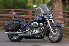 Picture: Other - 2012 Harley-Davidson CVO Softail Convertible blue right windshield bags 9373 Harley Davidson Cvo, Biker Clubs, Biker Chick, Dream Life, Convertible, Honda, Classic Cars, Motorcycle Bags, Motorcycle Girls