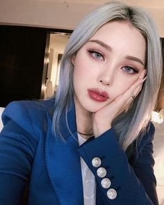 Woman Pony-Park Hye Min-Pony-Park Hye Min Ulzzang-Korean make-up artist-Pony magnificence diary. Korean Makeup Look, Asian Makeup, Korean Beauty, Asian Beauty, Foundation For Sensitive Skin, Makeup Foundation, Pony Makeup, Hair Makeup, Pony Effect Makeup