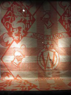 Détail van een AaBe-deken voor het Koningshuis.