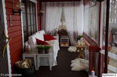 punainen,kynttilät,maalaisromanttinen,romanttinen,mökki