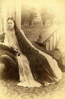 Imágenes Victorianas: Pelo muy largo difícil de mantenerlo arreglado.
