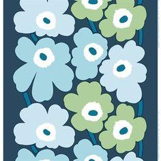 Seit dem Winter 2013 ist Marimekkos berühmtestes Muster Unikko auch als Baumwollstoff-Meterware in der Farbstellung blau-türkis bestellbar. Das Unikko Muster wurde zwar schon 1964 entworfen, erfreut sich aber auch heute immer noch größter Beliebtheit.