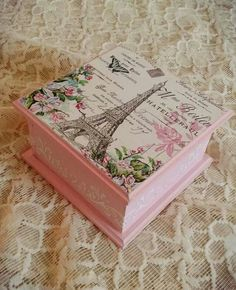 Jjhy Decoupage Vintage, Decoupage Wood, Antique Mailbox, Reclaimed Wood Bookcase, Wood Storage Box, Girls Jewelry Box, Shabby Chic Crafts, Wood Creations, Vintage Box