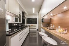Apartamento Campo Belo / Luni Arquitetura #kitchen #cozinha