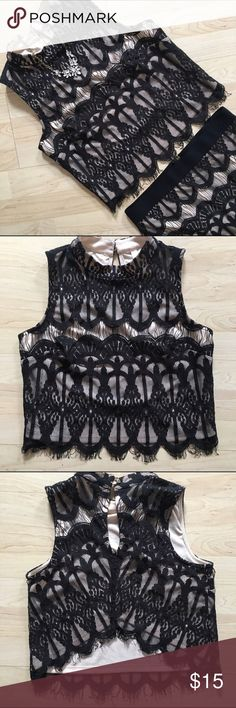 🖤 beautiful black and cream lace crop top New without tags! Purchased for an event and then never ended up wearing it. Cute key holes in back. The matching pencil skirt is also in my closet--bundle to save! ✨ Xhilaration Tops Crop Tops