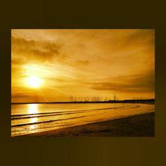 A monochromatic morning on the shores of the Adriatic Sea in Porto San Giorgio, Italy.