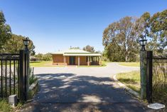 For Sale: Large family home with a fully contained granny flat and a license for 4 horses. horseproperty.com.au/property/28980  #WA #Wandi #HorseProperty #ForSale