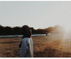 Дневник Мусульманки Profile Pictures Instagram, Instagram Story Ideas, Modern Hijab Fashion, Muslim Fashion, Hijabi Girl, Girl Hijab, Muslim Girls, Muslim Women, Hijab Hipster