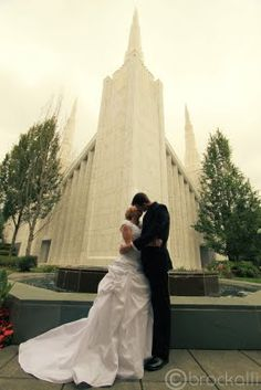 Portland Oregon Temple  Brock.alli Photography  Mormon Wedding