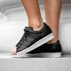 Sneaker Online Shop & Sneakerstore in Darmstadt | asphaltgold