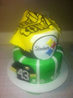 Steelers football birthday cake with the terrible towel my birthday cake next year Pittsburgh Steelers Players, Steelers Pics, Steelers Stuff, Best Football Team, Steeler Football, Football Birthday Cake, Steeler Nation, Cupcake Cakes, Cupcakes
