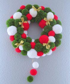 Christmas Pom Pom Crafts, Crochet Christmas Wreath, Christmas Tinsel, Christmas Crafts To Make, Xmas Wreaths, Christmas Mood, Christmas Colors, Handmade Christmas, Christmas Decorations