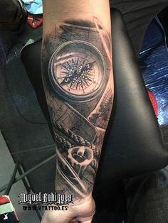 boussole en laiton - Miguel Bohigues - V Tattoo - Map Tattoos, Forearm Tattoos, Life Tattoos, Body Art Tattoos, Tatoos, Pirate Tattoo, Tattoo Sleeve Designs, Sleeve Tattoos, Trendy Tattoos