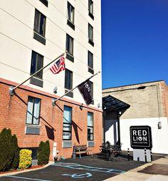 reisetips og reiseinspirasjon: Red Lion Inn & Suites Brooklyn - New York - USA Red Lion Inn, New York City Guide, Brooklyn New York, Travel Tips, Nyc, Adventure, Nature, Travel Advice, Adventure Game