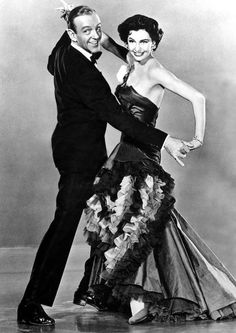 """Fred Astaire and Cyd Charisse for 'The Band Wagon' (""""Tous en scène"""" en français) Hollywood Stars, Golden Age Of Hollywood, Vintage Hollywood, Hollywood Glamour, Classic Hollywood, Hollywood Couples, Fred Astaire, Shall We Dance, Just Dance"""