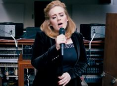 """NEWS/ Adele Performs a Surprise Preview of New Song """"When We Were Young"""" Off Her Upcoming Album 25 for 60 Minutes"""