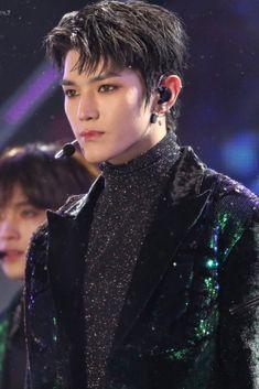 """taeyong the final boss no one can defeat i think"" Lee Taeyong, Winwin, Taemin, Shinee, Jaehyun, Instyle Magazine, Cosmopolitan Magazine, Popular People, Kim Woo Bin"