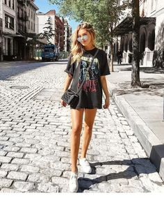 outfits for school ; outfits with leggings ; outfits for school winter ; outfits with air force ones ; outfits with black jeans ; outfits with doc martens ; Cool Summer Outfits, Summer Outfits Women, Unique Outfits, Spring Outfits, Casual Outfits, Summer Ootd, Summer Clothes, Summer Wear, Summer Dresses