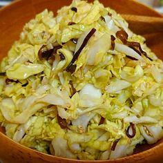 キャベツ、塩昆布、ごま、ごま油 - 4件のもぐもぐ - 昆布キャベツサラダ by nobuyaadd9th
