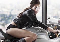 Good Thursday! Beautiful Ducati #CafeRacer and #CafeRacerGirl | caferacerpasion.com