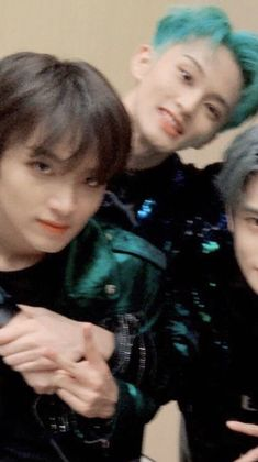 The person who took the photo was already drunk - Celina Mark Lee, Nct 127, Otp, Trending Photos, Meme Pictures, Boyfriend Material, Jaehyun, Nct Dream, Boy Bands