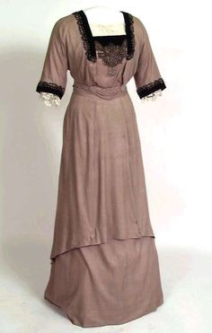 ๑ Nineteen Fourteen ๑ historical happenings, fashion, art & style from a century ago - 1914 day dress