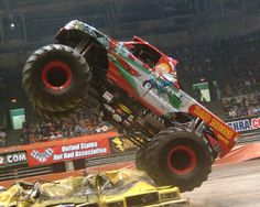 Monster Truck — чудовища на четырех колесах