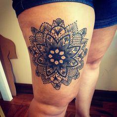 Black tattoo / black work / tatuagem / tattoo / mandala / pontilhismo / pointillism