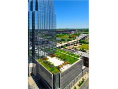 The Pinnacle at Symphony Place looking north to the downtown Nashville skyline; Photo Courtesy of Highwoods Properties, by Bill LaFevor