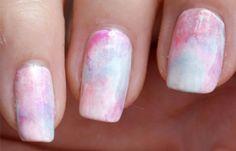 Diseños de uñas con esponja impregnada, diseño de uñas con esponja difuminadas.  Follow! #uñasdecoradas #3dnailart #uñasconbrillos