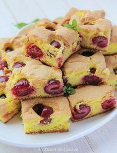 Pandispan cu visine - Desert De Casa - Mara Popa Romanian Desserts, Romanian Food, Romanian Recipes, Cake Recipes, Dessert Recipes, Good Food, Yummy Food, Desserts To Make, Sweet Treats