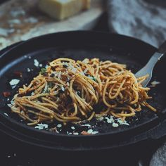 Mediterraner Spaghettisalat Mediterranean spaghetti salad / Italian pasta salad for grilling Mothers Day Dinner, Pasta Salad Italian, Cauliflower Recipes, Keto Dinner, Keto Snacks, Eating Habits, Parmesan, Vegetarian Recipes, Chile