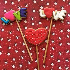 Love cookies Heart cookies saint valentine's  icing glass 14 february Galletas de corazon de san valentin, 14 de febrero