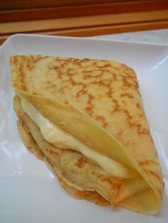 Sweet crepes filled with lemon creme
