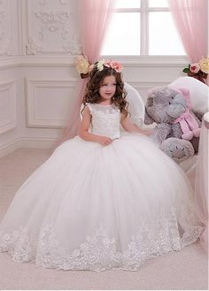 Glamorous Tulle & Satin Bateau Neckline Ball Gown Flower Girl Dresses With Lace Appliques