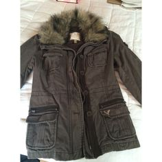 American Eagle warm jacket Vintage Super cute and comfortable while making a statement! In perfect condition! Fur is fo and in great condition! American Eagle Outfitters Jackets & Coats