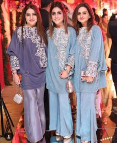 .... Pakistani Dresses, Indian Dresses, Indian Outfits, Pakistan Fashion, India Fashion, Gharara Designs, Sleeves Designs For Dresses, Pants For Women, Clothes For Women