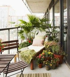 Balkon Amazing Small Apartment Balcony Decor Ideas that You Must Try, Apartment Deck, Apartment Balcony Garden, Interior Balcony, Apartment Balcony Decorating, Balcony Furniture, Apartment Balconies, Cool Apartments, Small Balcony Design, Small Balcony Garden