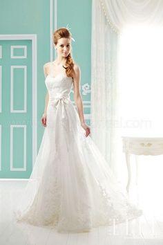 https://flic.kr/p/BMbyLC   Trouwjurken   Wedding Dress, Wedding Dress Lace, Wedding Dress Strapless   www.popo-shoes.nl