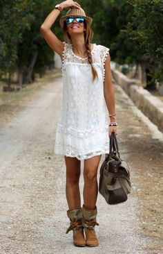 Comment porter une robe blanche rétro avec du style:                                                                                                                                                     Plus