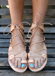 Greek sandals - these are everywhere in Greece • http://www.wethewild.com/2015/05/fteroti-sandals-ancient-greek-sandals/